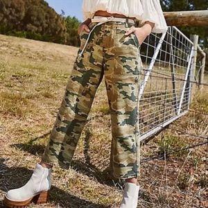 Free People Remy Camo Capri Jeans Size 25